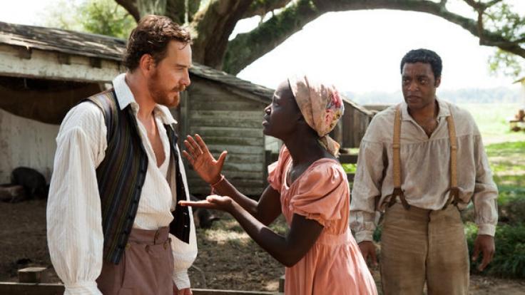 """Darsteller des Verbrechens: ichael Fassbender (l-r), Lupita Nyong'o und Chiwetel Ejiofor in einer Szene aus """"12 Years a Slave"""". (Foto)"""