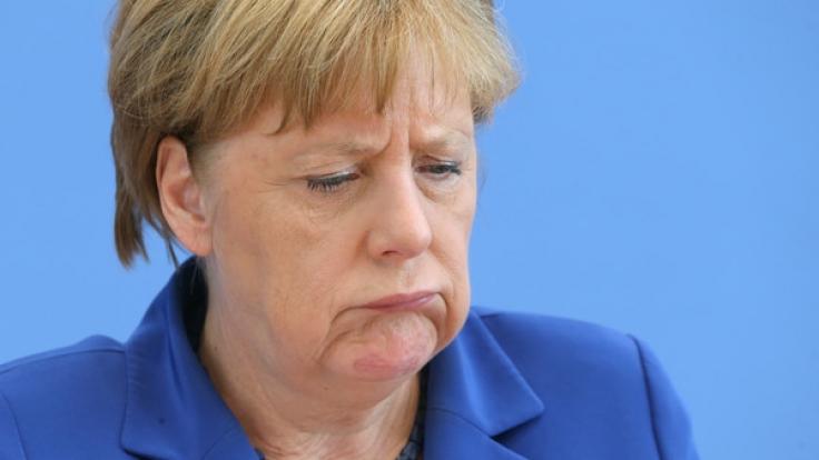 """""""Danke Merkel"""" für das Leid in Deutschland. (Foto)"""