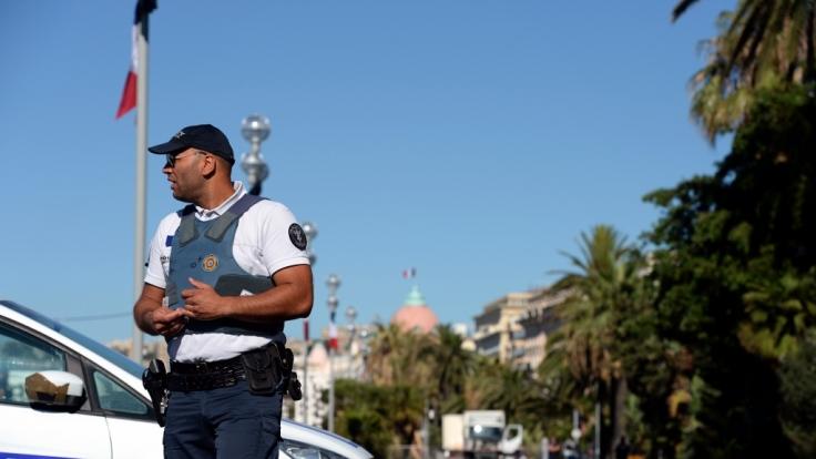 Das Auswärtige Amt warnt: In Frankreich herrscht nach den erneuten Anschlägen von Nizza ein erhöhtes Sicherheitsrisiko. (Foto)