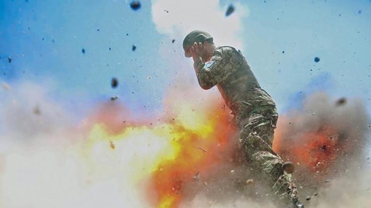 Das US-Militär veröffentlicht Fotos, die den Moment zeigen, in dem vier Menschen sterben. (Foto)