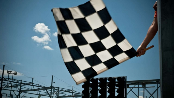Motorsport im TV (Symbolbild).