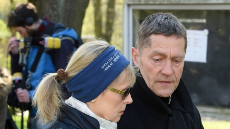 Der Schauspieler Udo Schenk kommt in Berlin zur Trauerfeier.