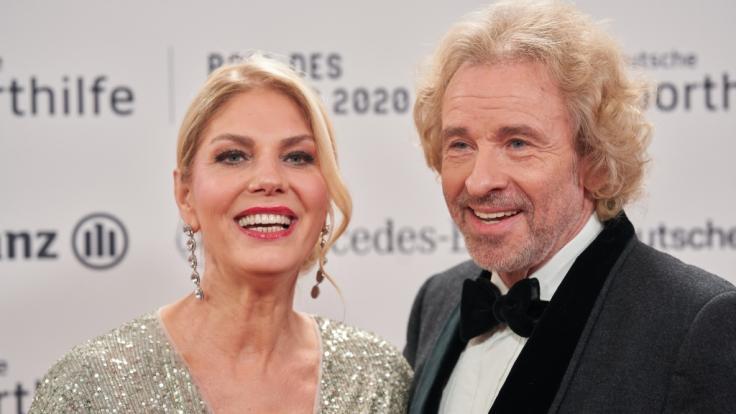 Im Jahr 2019 gingen sie mit ihrer Liebe an die Öffentlichkeit: Karina Mroß und Entertainer Thomas Gottschalk. (Foto)