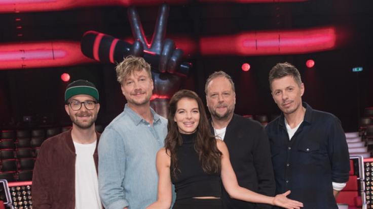 """Die """"The Voice of Germany""""-Jury-Mitglieder: Mark Forster (l-r), Samu Haber, Yvonne Catterfeld, Smudo und Michi Beck. (Foto)"""