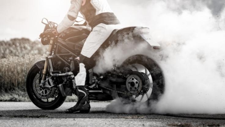 Die Nachrichten des Tages auf news.de: TV-Koch tödlich mit dem Motorrad verunglückt.