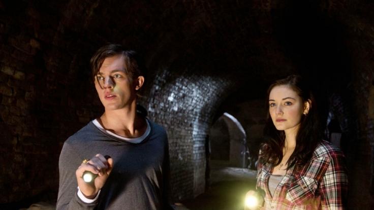 Gwendolin und Gideon in geheimer Mission. (Foto)