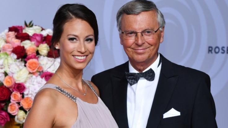 """Caroline Bosbach, hier mit ihrem Vater, dem CDU-Politiker Wolfgang Bosbach, ist in der Personality-Doku """"7 Töchter"""" bei Vox dabei. (Foto)"""