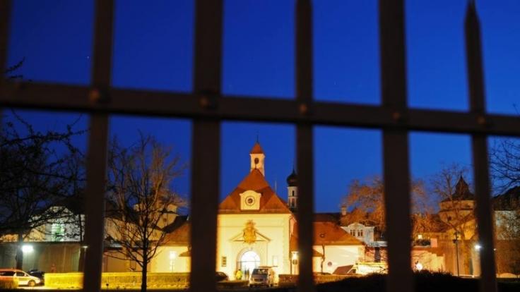 Hinter Gittern in der JVA Straubing verübte ein 51-Jähriger ein weiteres grausames Verbrechen. (Foto)