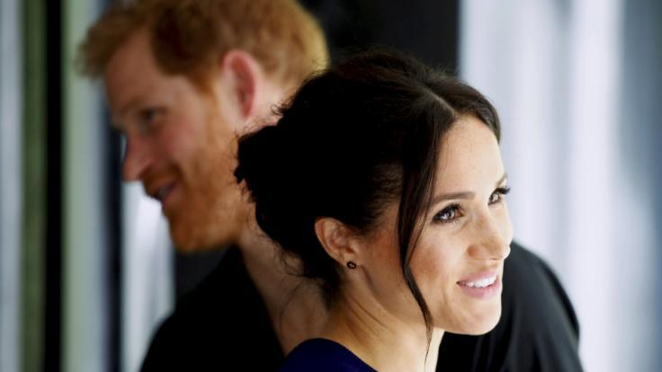Liebe wie im Märchen? Royals-Experten haben Zweifel an der romantischen Ehe-Anbahnung von Meghan Markle und Prinz Harry. (Foto)