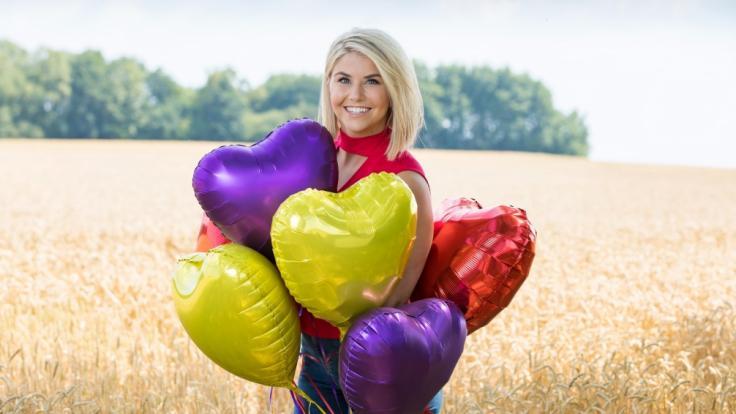 """Bei """"Schlager sucht Liebe"""" suchen Sänger und Sängerinnen die Liebe ihres Lebens. Moderiert wird die neue Doku-Soap von DSDS-Gewinnerin und Schlager-Star Beatrice Egli. (Foto)"""