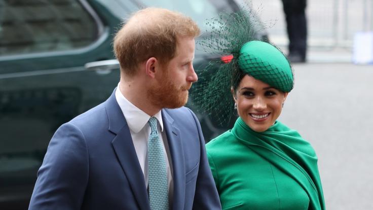 Meghan Markle verbietet Prinz Harry nach Großbritannien zu reisen.