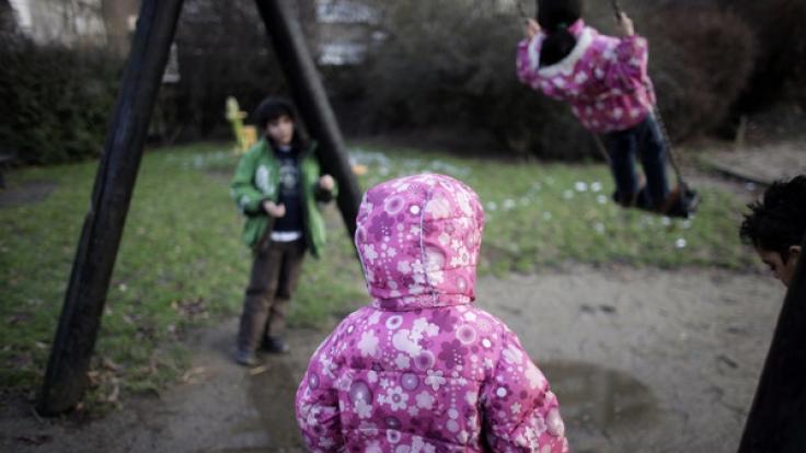 Vor allem für Kinder zwischen sechs und 13 Jahren bedeutet die Erhöhung der Regelsätze einen deutlichen Anstieg des Einkommens. Sie sollen im nächsten Jahr 21 Euro mehr pro Monat erhalten. (Foto)