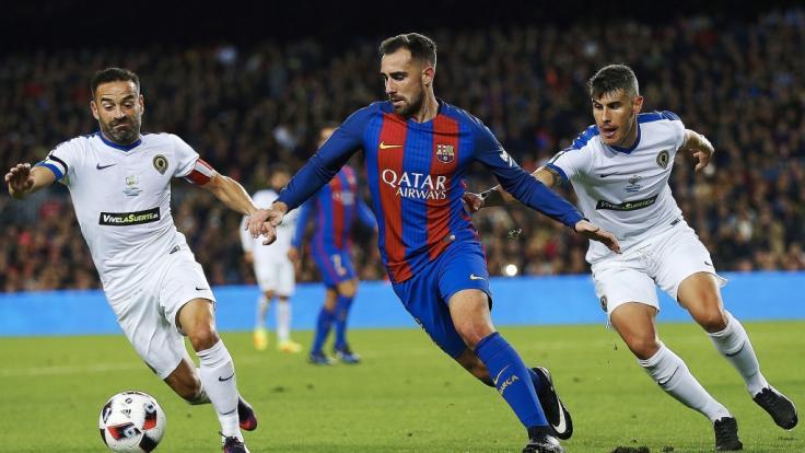Paco Alcácer (M.) könnte schon bald für den BVB kicken. (Foto)