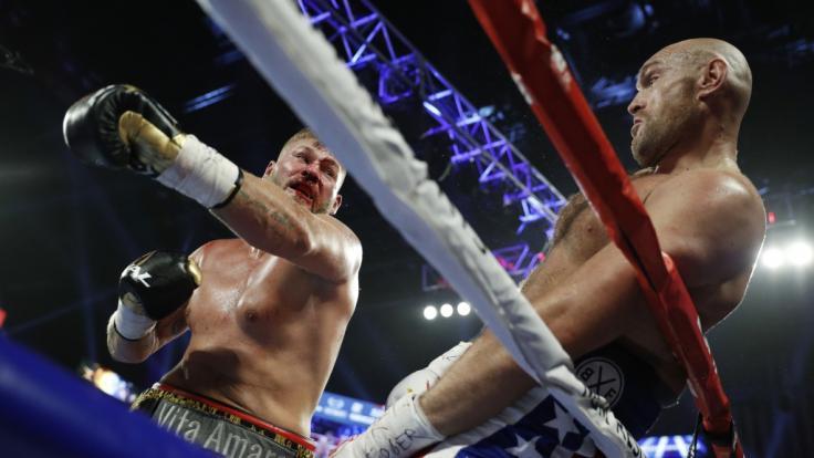 Tyson Fury besiegte Tom Schwarz in der zweiten Runde.