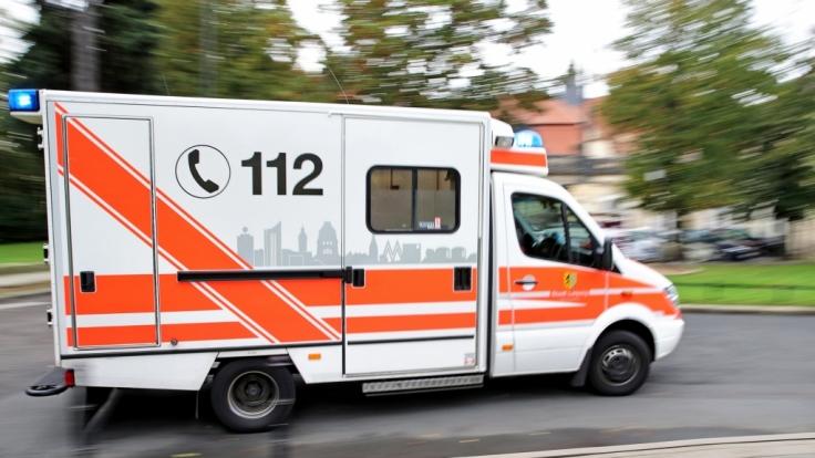 Für einen Lehrer, der sich in Köln aus dem vierten Stock gestürzt hat, kam jede Hilfe zu spät. (Symbolbild)