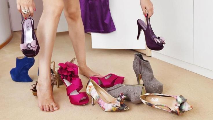Schick von Kopf bis Fuß: Jugendliche sollten an elegante Schuhe denken. (Foto)