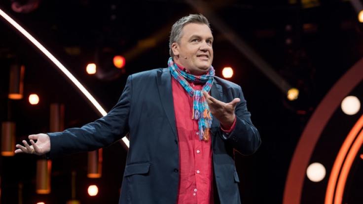 Hape Kerkeling meldete sich für seine Laudatio auf Ottfried Fischer auf der Bühne zurück. (Foto)