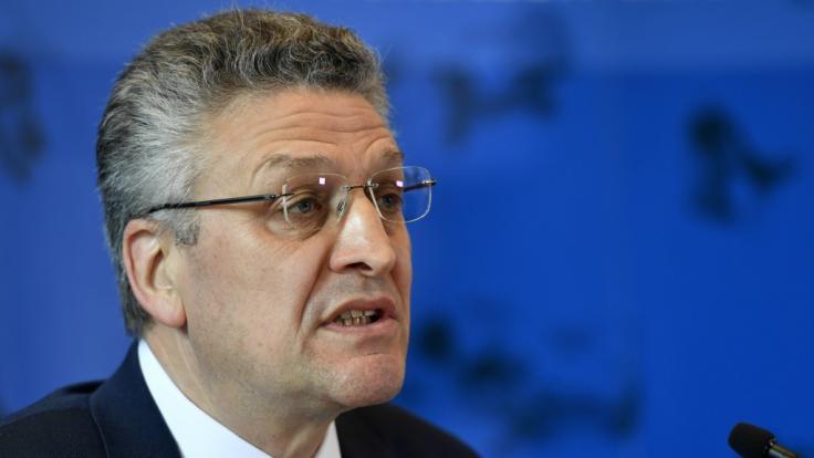 Lothar H. Wieler, Präsident des Robert Koch-Instituts (RKI), äußert sich bei einer Pressekonferenz zum Stand der Verbreitung des Coronavirus in Deutschland. (Foto)