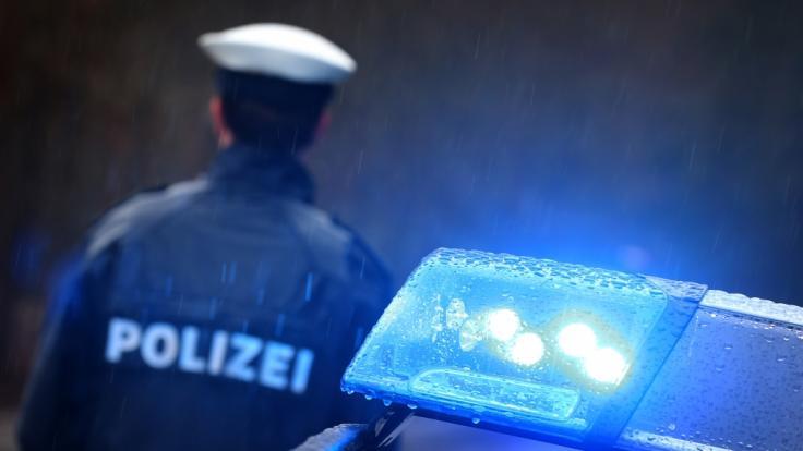 (Symbolbild): Ein 51-Jähriger wurde im Erzgebirgskreis Aue an Heiligabend niedergestochen. (Foto)