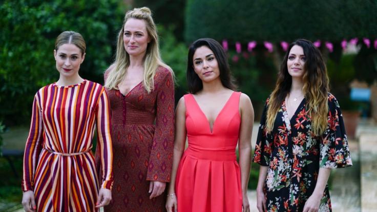 Sophie (Lea Marlen Woitak), Maren (Eva Mona Rodekirchen), Shirin (Gamze Senol) und Emily (Anne Menden) auf Mallorca im GZSZ-Special.
