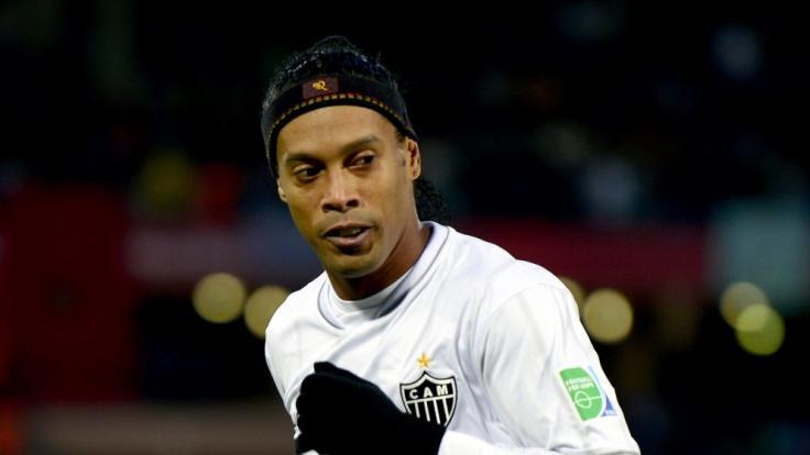 Ronaldinho trauert um seine Mutter. (Foto)