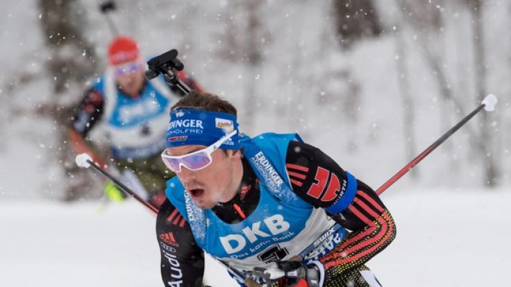 Die deutschen Biathleten um Arnd Peiffer und Simon Schempp geben sich in Antholz in der Staffel der Herren die Ehre.