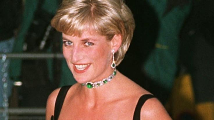 Prinzessin Diana hätte den schweren Autounfall 1997 überleben können - davon ist der Arzt überzeugt, der ihre Leichenschau durchführte. (Foto)