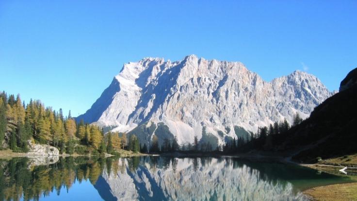 Deutschlands höchster Berg ist gefragt: Die Zugspitze ist ein lohnendes Tagesausflugsziel. (Foto)