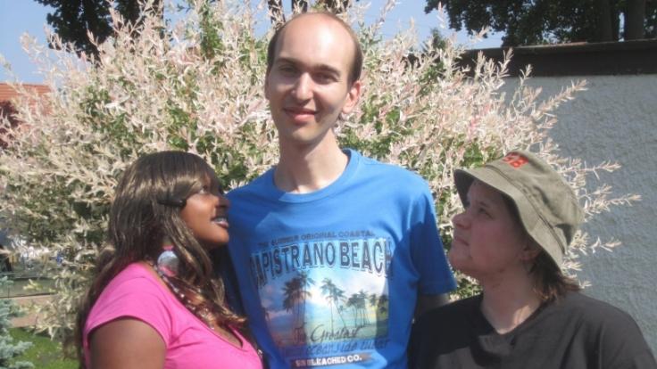 So traut ist die Dreisamkeit nicht mehr: Christian hat sich für Joan (links) und gegen Almut entschieden. (Foto)