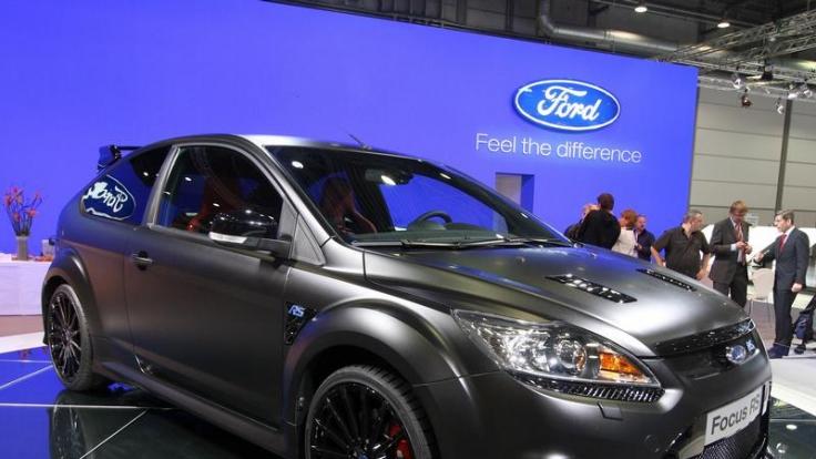 Mattschwarzer Flügelstürmer: Fords Focus RS 500 ist auf ebenso viele Exemplare limitiert - und bereits vergriffen. (Foto)
