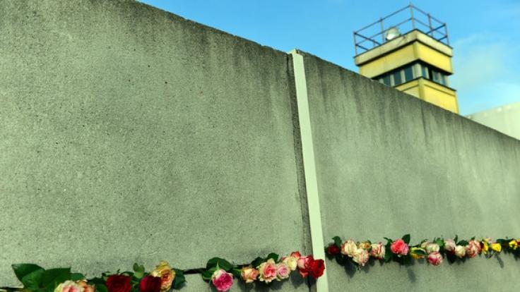 Die Berliner Mauer stand 28 Jahre, 2 Monate und 26 Tage. Und exakt so viel Zeit ist nun schon seit ihrem Fall vergangen.