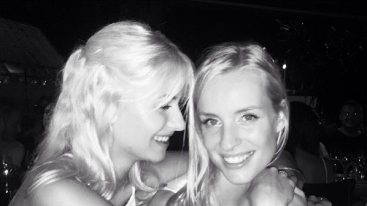 Auch beim Geburtstag ihrer Model-Freundin hatte Lena Gercke sichtlich gute Laune. (Foto)