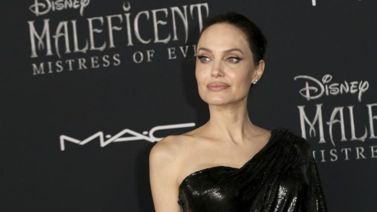 Angelina Jolie ließ die Hüllen fallen. (Foto)