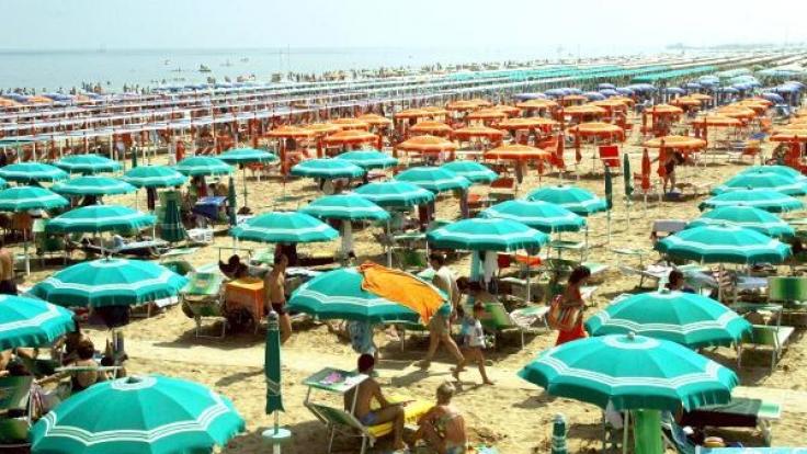 Am Strand von Rimini in Italien wurde eine polnische Touristin Opfer einer Gruppenvergewaltigung (Symbolbild). (Foto)