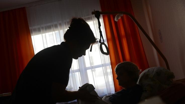 Im Altersheim kommt es immer mehr auch zu sexuellen Diensten laut dem Bundesverband der sexuellen Dienstleistungen. (Foto)