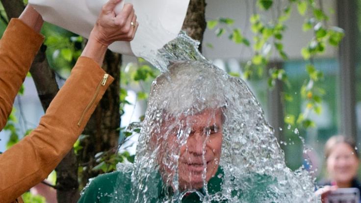 """Die """"Ice Bucket Challenge"""" fand zu einem guten Zweck statt. Die neue """"Hot Water Challenge"""" ist jedoch lebensgefährlich. (Symbolbild) (Foto)"""