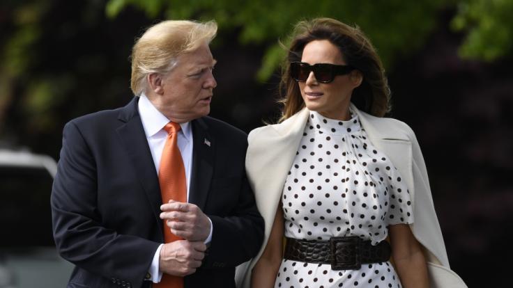 Sehen wir hier nicht die echte Melania Trump sondern eine Doppelgängerin? (Foto)