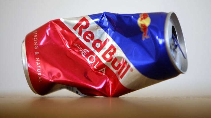 Energydrinks wie Red Bull sind nur in Maßen zu genießen. (Foto)