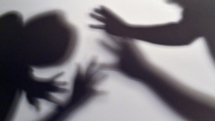 In Wales soll ein Mann seine Frau während der Corona-Selbstisolation getötet haben. (Foto)
