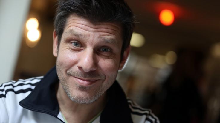 """Der Kölner Synchronsprecher Philipp """"Phil"""" Daub ist die """"Big Brother""""-Stimme. (Foto)"""