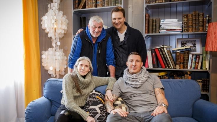 Von links nach rechts: Model Eveline Hall, Schauspieler Heinz Hoenig, Guido Maria Kretschmer und Handballtrainer Stefan Kretzschmar. (Foto)