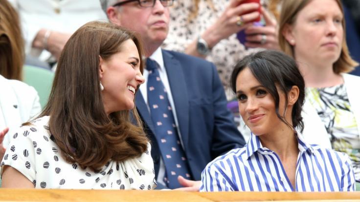 Kate Middleton hatte beim Wimbledon-Finale augenscheinlich eine Menge Spaß mit ihrer Schwägerin Meghan Markle.
