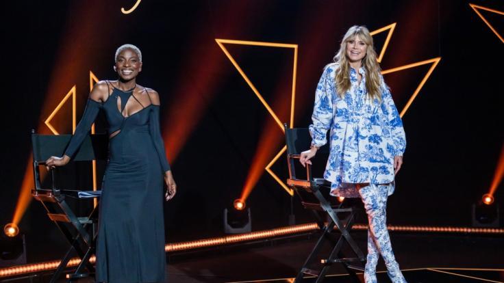 Heidi Klum mit Gast-Jurorin Nikeata Thompson (Foto)