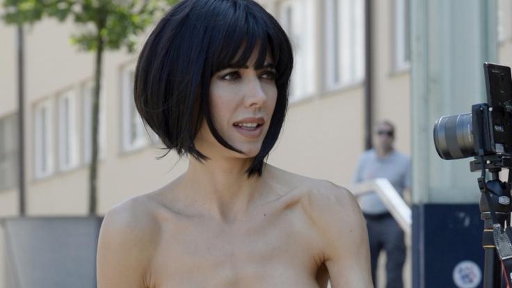 Milo Moire will mit ihren Nackt-Performances zum Nachdenken anregen. (Foto)