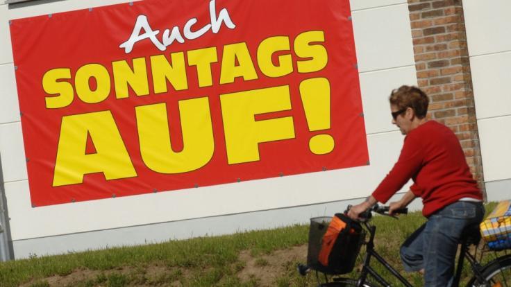 Auch an diesem Sonntag sind die Geschäfte in einigen Städten geöffnet. (Foto)