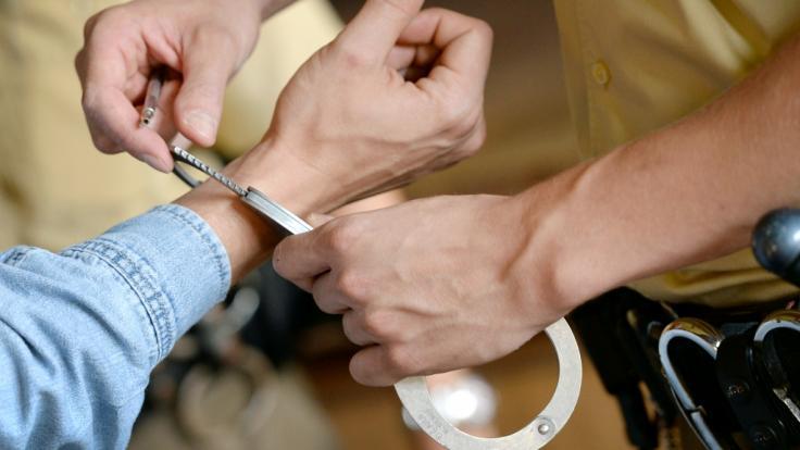 Nach dem rätselhaften Tod einer deutschen Rentnerin in Thailand ist ein 52-jähriger Mann festgenommen worden (Symbolbild). (Foto)