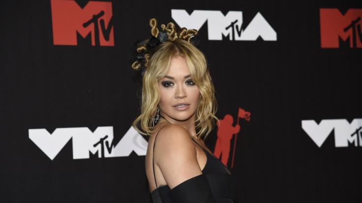 Rita Ora zeigte sich ganz natürlich. (Foto)