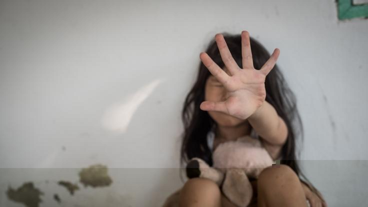 """Der Besitzer des """"Bridgerton""""-Schlosses wird vorgeworfen ein Mädchen vergewaltigt zu haben. (Symbolfoto) (Foto)"""