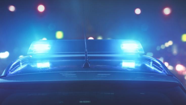In Hamburg hat die Polizei bei einer Wohnungsdurchsuchung eine Leiche gefunden. (Foto)