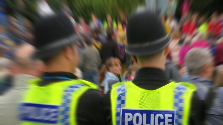 TV-Polizist Lee Tatton wird mehrerer Sexualstraftaten an Kindern beschuldigt. (Symbolbild) (Foto)